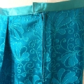 skirt-from-vintage-fabric-zip